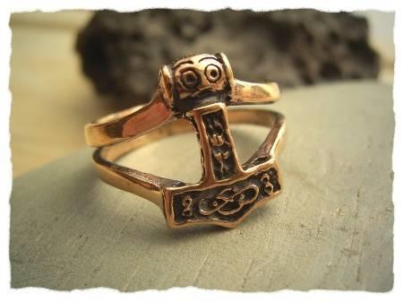ring thors hammer mj lnir aus bronze wikinger schmuck thor mittelalter ebay. Black Bedroom Furniture Sets. Home Design Ideas